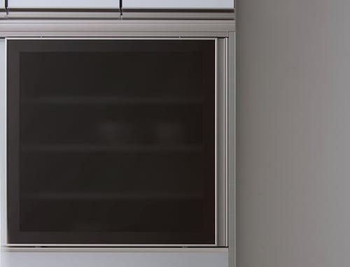 食器棚につくガラス「ダークガラス」