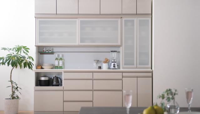 「造作家具」と「置き家具」の真の違いとは? 後悔しない食器棚選びのための基礎知識